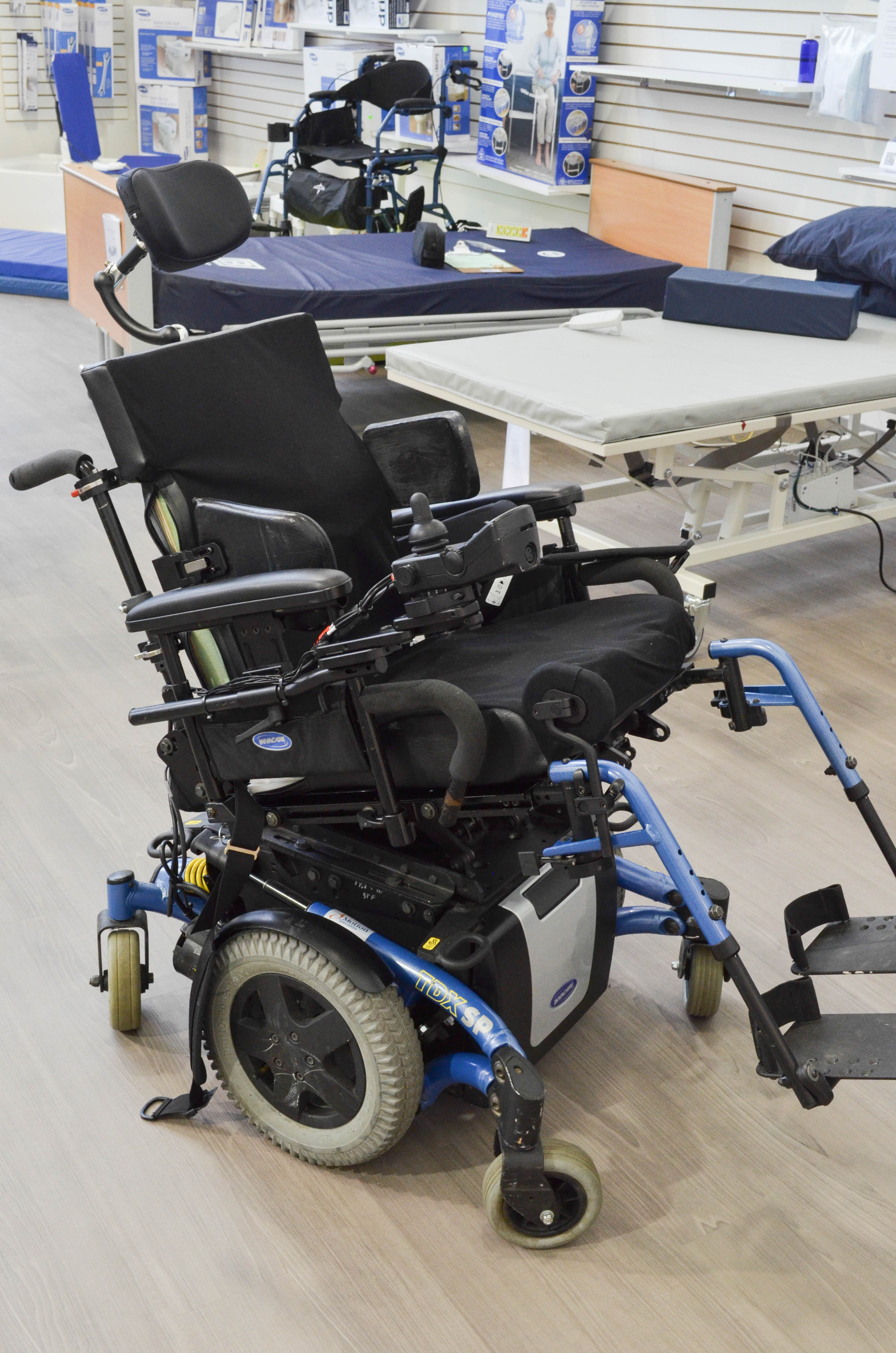 Review of 5 Mid Wheel Drive Power Wheelchairs