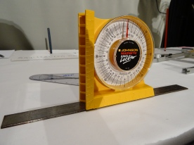 Angle finder with ruler attached with magnet